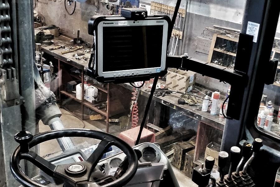 Rugged arvuti välitingimustes töötaval tõstukil
